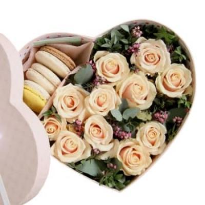 """Цветы в коробке """"Кремо"""""""