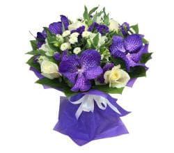 """Букет из орхидей и роз """"Ванда"""""""
