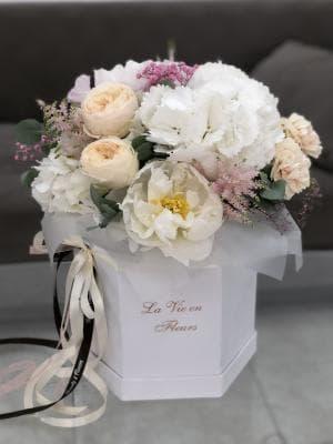 """Цветы в коробке """"Мадемуазель"""""""