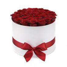 51 роза Престиж в шляпной коробке
