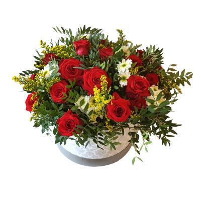 """Цветы в коробке """"Изумительной"""""""