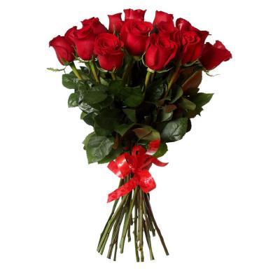 15 красных роз с лентой
