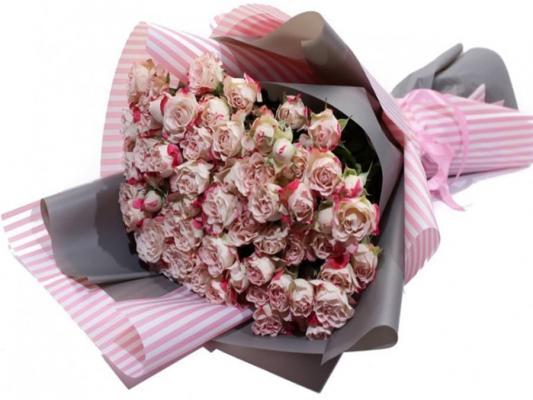 15 веток розы спрей