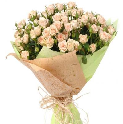 9 веток кремовой кустовой розы
